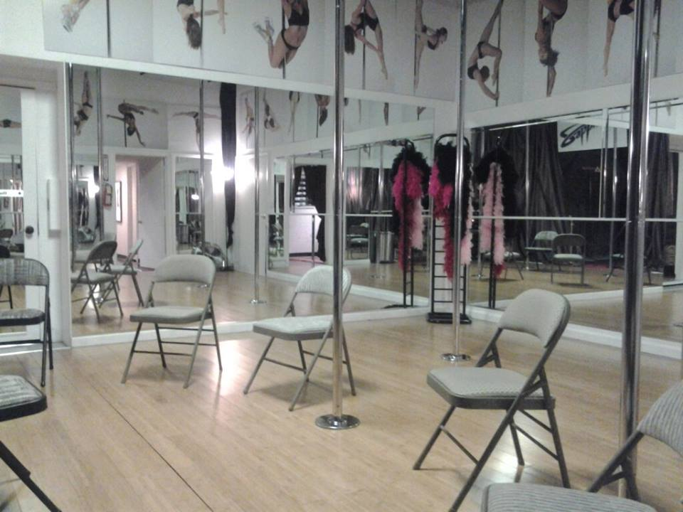 Las Vegas pole dance class photo gallery